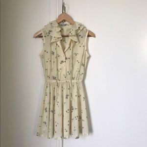 Rare Vintage 1970s sweet cream ruffle dress xs/s